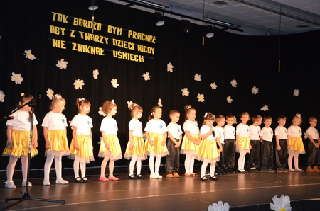 Koncert przedszkolaków whołdzie Janowi Pawłowi II