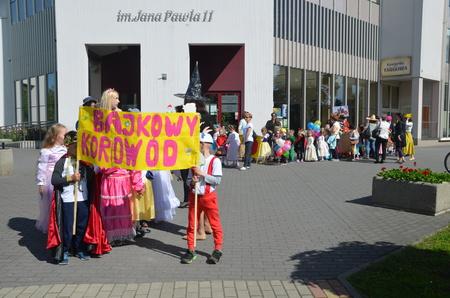 KOROWÓD BAJKOWYCH POSTACI 2019!
